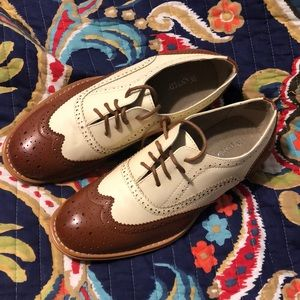 Wanted Shoes - Wanted Oxfords size 10!